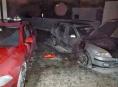 V Mohelnici hořela dvě osobní auta