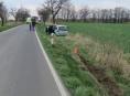 Na Jesenicku řidička čelně narazila do stromu