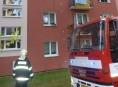 Kvůli nedbalosti hořel byt v panelovém domě v Šumperku