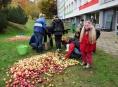 """FOTO:Školáci na """"Pětce"""" v Šumperku moštovali i koštovali"""