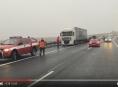 VIDEO! Hromadná dopravní nehoda uzavřela na několik hodin dálnici D35