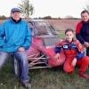 Nejlepší evropský juniorský autokrosař spolu s otcem Miloslavem Vaňkem (vpravo) a mechanikem  zdroj foto: archiv Milana Vaňka