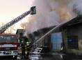 AKTUALIZOVÁNO! Osm jednotek hasičů likvidovalo požár ve Vikýřovicích