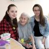 Dobrovolníci krátí čas pacientů jak formou společných aktivit, tak individuálními návštěvami             foto: NŠ - T. Bulková