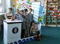 """FOTO: Zápis na """"Pětku"""" byl pod dohledem námořníků"""