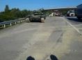 Tank zablokoval dopravu na D35