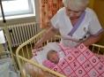 Středisko volného času DUHA obdarovalo novorozence v Jesenické porodnici
