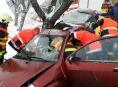 Hasiči během dvou hodin zasahovali u jedenácti dopravních nehod
