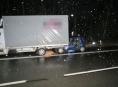 Po kolizi na Mohelnicku zůstal řidič ve svém autě zaklíněn