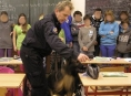 V batohu žáka našel služební pes zbytky drogy