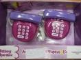 Pozor na telefon, který může připravit dítě o sluch!