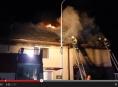 Muž v Bochoři zachránil ženu a dvě děti před plameny