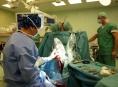 Operaci, která zpomalí Parkinsonovu chorobu, provádějí ve FN Olomouc
