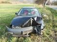 Řidič v Loučné nad Desnou naboural do stromu a odešel