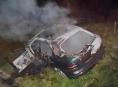 Na Zábřežsku začalo po nehodě hořet auto