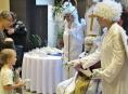 Děti v Bruselu dostaly dárek od Mikuláše z Olomouce