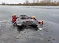 Vodní hladiny jsou nedostatečně zamrzlé