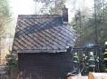 Byla lesnická chatka zapálena úmyslně?