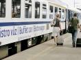 Letní čas se dotkne jedenácti spojů nočních vlaků Českých drah