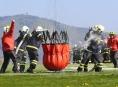 Hasiči Šumperska nacvičovali spolupráci s vrtulníkem