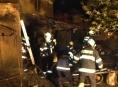 Hasičům se podařilo v Chromči zabránit rozšíření požáru