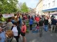 FOTO: Zboží na farmářských trzích šlo na dračku