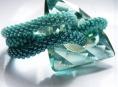 Retro se zahalí do šperků Petry Kašparové