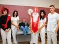 Mikuláš, andělé a čerti vítali dárce na Transfúzní službě v Šumperku