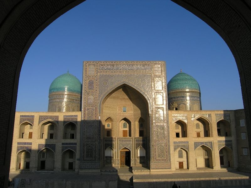 Buchara Mir i Arab madrasa zdroj:MS