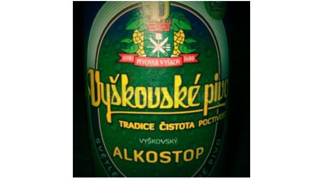 """Pozor na """"nealkoholické pivo"""" s alkoholem"""
