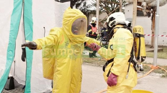 Hasiči cvičili likvidaci požáru v postřelmovské galvanovně
