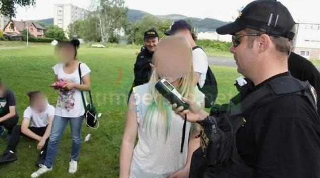Na Jesenicku policisté kontrolovali požití alkoholu mladistvými
