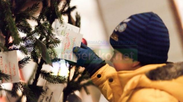 Šumperský strom splněných přání najdete letos v informačním centru