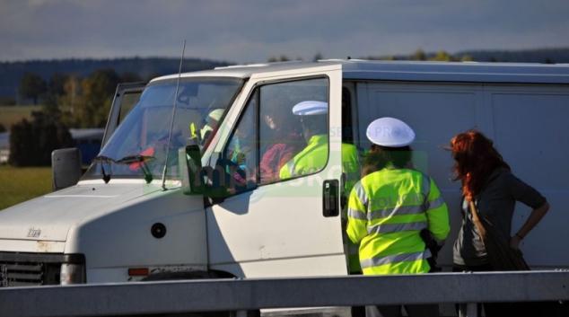 Policie se zaměřila na ranní i večerní kontroly chodců, cyklistů a řidičů