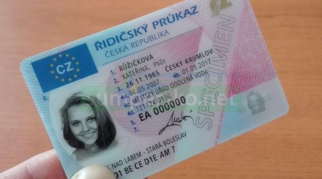 Postupně vyprší platnost řidičských průkazů vydaných v roce 2007