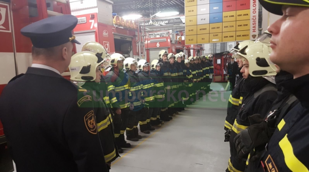 Hasiči v Olomouckém kraji uctili památku zesnulého kolegy