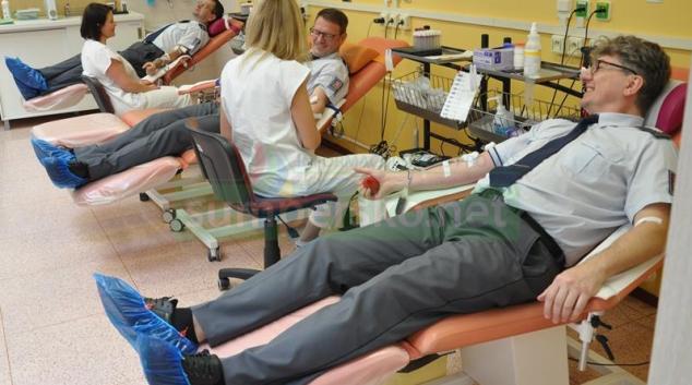 Olomoučtí celníci darovali krev a krevní plasmu