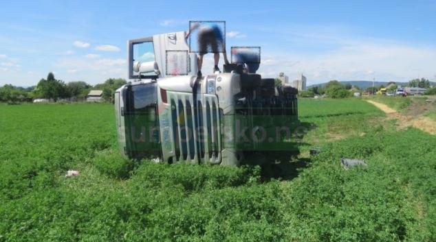 Cizinec s kamionem jel příliš rychle