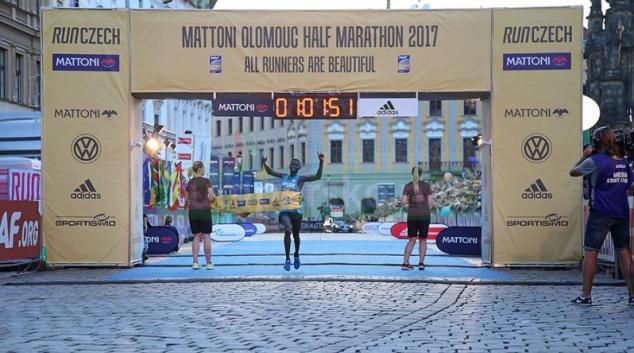 Osmý olomoucký půlmaraton skončil triumfem RunCzech Racing týmu
