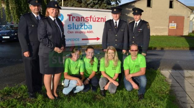 Dobrovolní hasiči z Bušína hromadně darovali krev