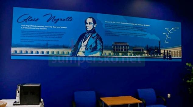Na olomouckém hlavním nádraží je čekárna zasvěcena staviteli železnic Aloisi Negrellimu