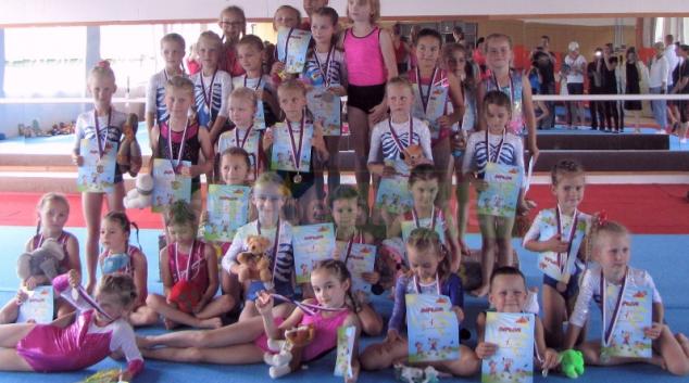 Šumperské nejmladší sportovní gymnastky poprvé otestovaly závodní atmosféru