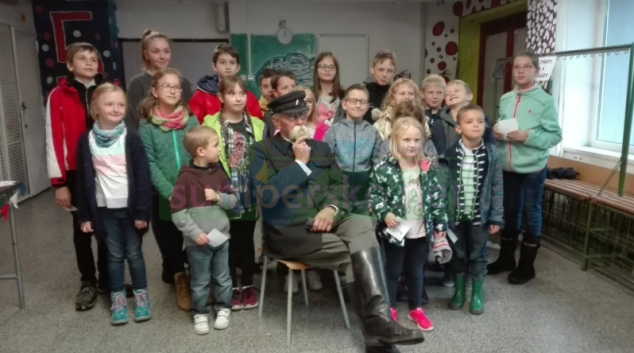 """Šumperští školáci se zapojili do projektu """"Staleté kořeny"""""""
