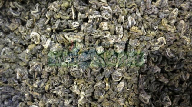Zelený čaj z Číny s koktejlem tří typů pesticidů