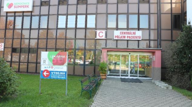 Nemocnice Šumperk vyhlásila celoplošný zákaz návštěv