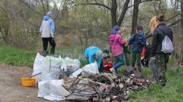 V Zábřeze se vysbíralo na tři tuny odpadu
