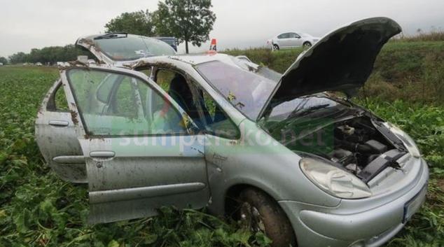 Řidička u Libivé dostala smyk na mokré vozovce