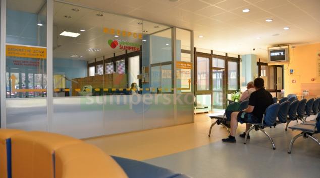 Kvůli rostoucí agresi pacientů absolvovali šumperští zdravotníci speciální kurz