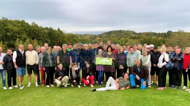 Hoes golf Šumperk podpořil šumperskou Pomněnku