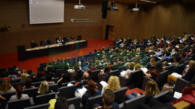 Krajská konference cílila na nové typy závislostí